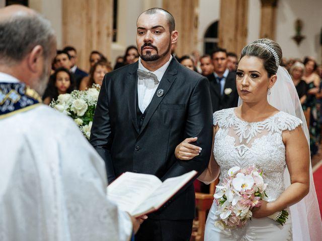 O casamento de Cleiton e Fernanda em Campo do Meio, Minas Gerais 72