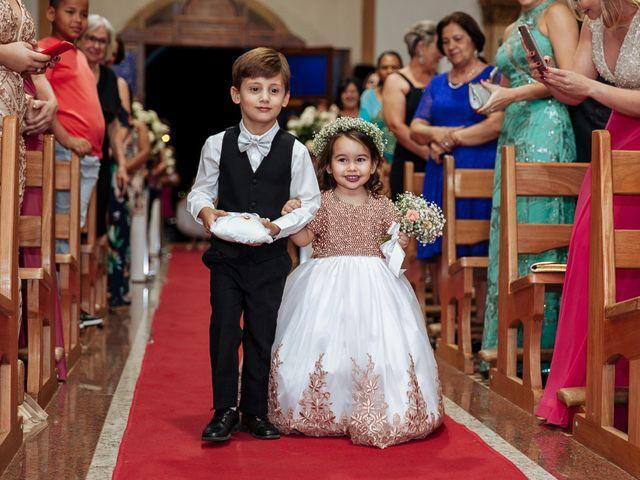 O casamento de Cleiton e Fernanda em Campo do Meio, Minas Gerais 76
