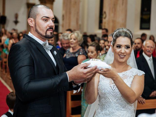 O casamento de Cleiton e Fernanda em Campo do Meio, Minas Gerais 77
