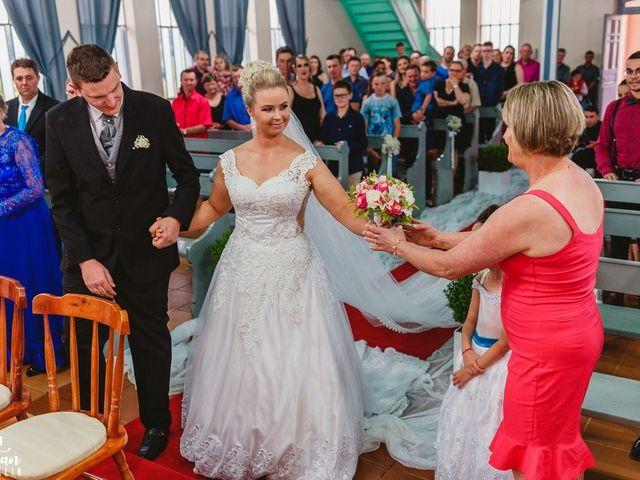 O casamento de Eduardo e Janaira em São Pedro da Serra, Rio Grande do Sul 32
