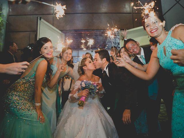 O casamento de Valdir e Viviane em Guarujá, São Paulo 72