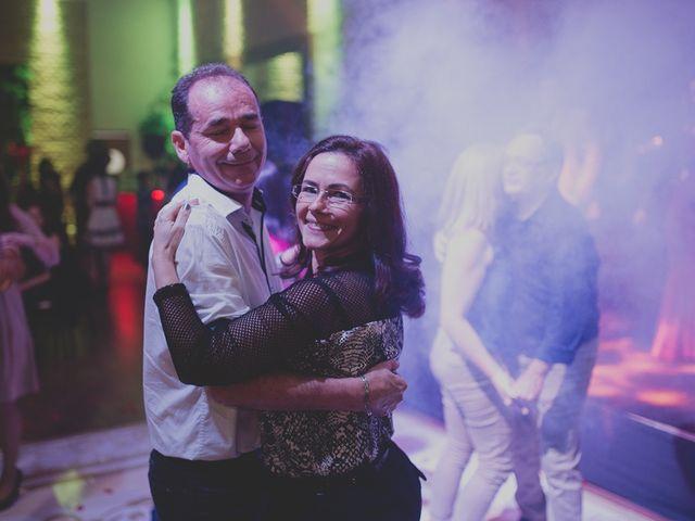 O casamento de Valdir e Viviane em Guarujá, São Paulo 94