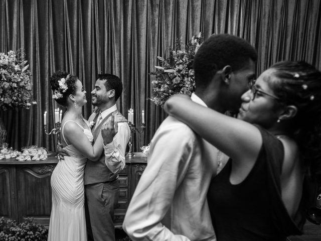 O casamento de Henrique e Karine em Niterói, Rio de Janeiro 16