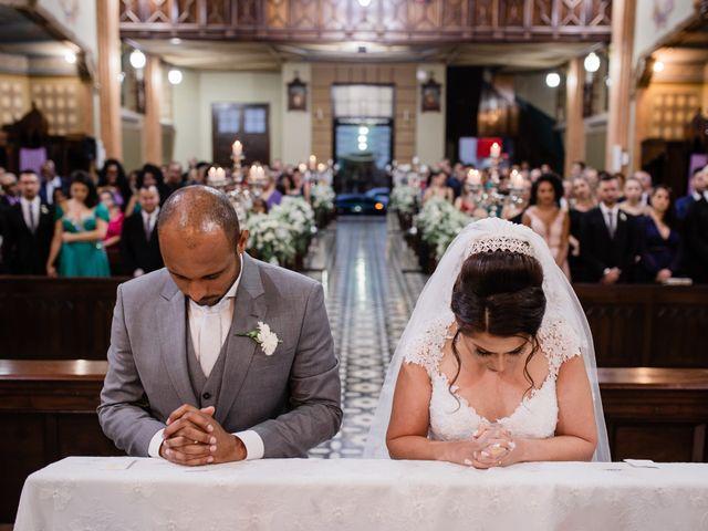 O casamento de Douglas e Karla em Curitiba, Paraná 35