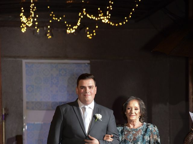 O casamento de Lírio e Sabrina em Porto Alegre, Rio Grande do Sul 28