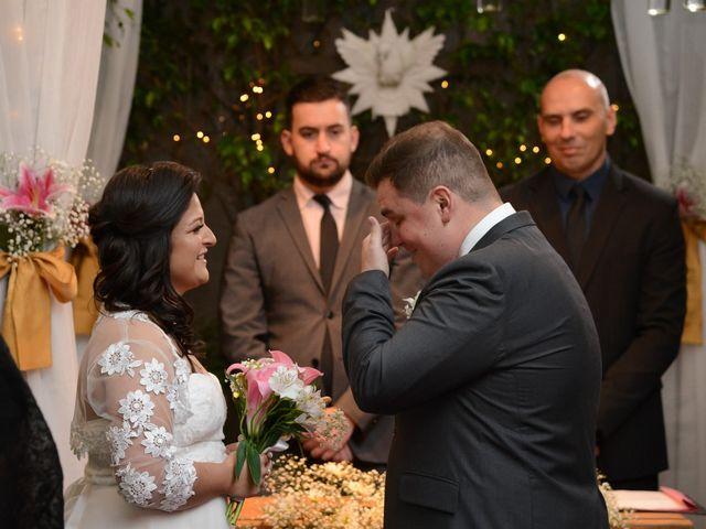 O casamento de Lírio e Sabrina em Porto Alegre, Rio Grande do Sul 32