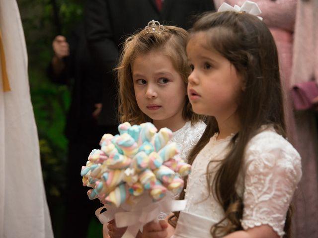 O casamento de Lírio e Sabrina em Porto Alegre, Rio Grande do Sul 35