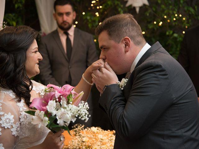 O casamento de Lírio e Sabrina em Porto Alegre, Rio Grande do Sul 48
