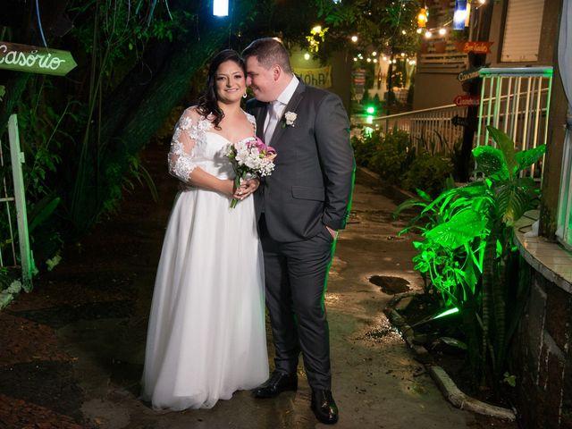 O casamento de Lírio e Sabrina em Porto Alegre, Rio Grande do Sul 51