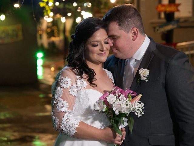 O casamento de Lírio e Sabrina em Porto Alegre, Rio Grande do Sul 54