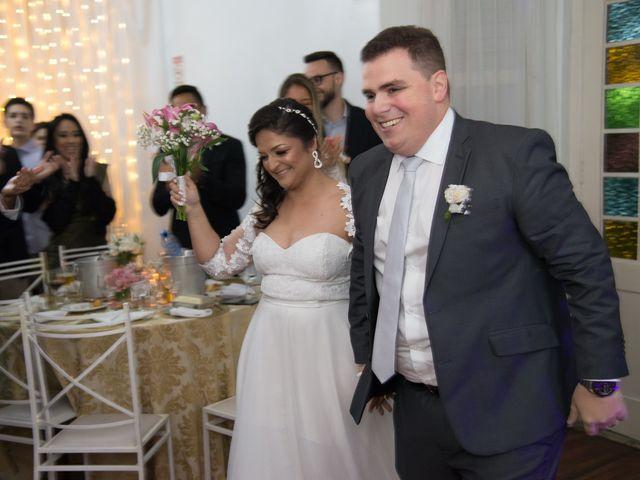 O casamento de Lírio e Sabrina em Porto Alegre, Rio Grande do Sul 58