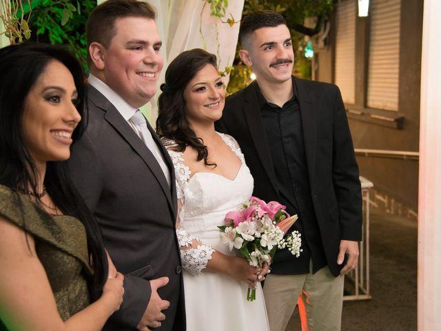 O casamento de Lírio e Sabrina em Porto Alegre, Rio Grande do Sul 67