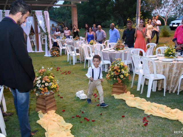 O casamento de Raiqui Douglas  e Glaubia  Talita  em Tangará da Serra, Mato Grosso 38