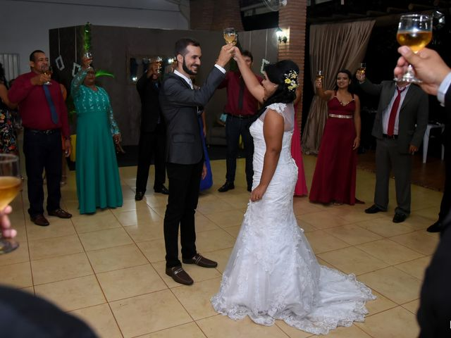 O casamento de Raiqui Douglas  e Glaubia  Talita  em Tangará da Serra, Mato Grosso 60