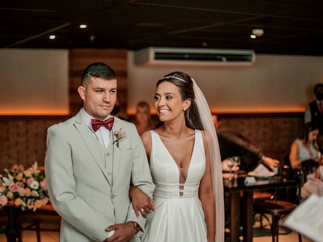 O casamento de Junior e Amandha em Curitiba, Paraná 31