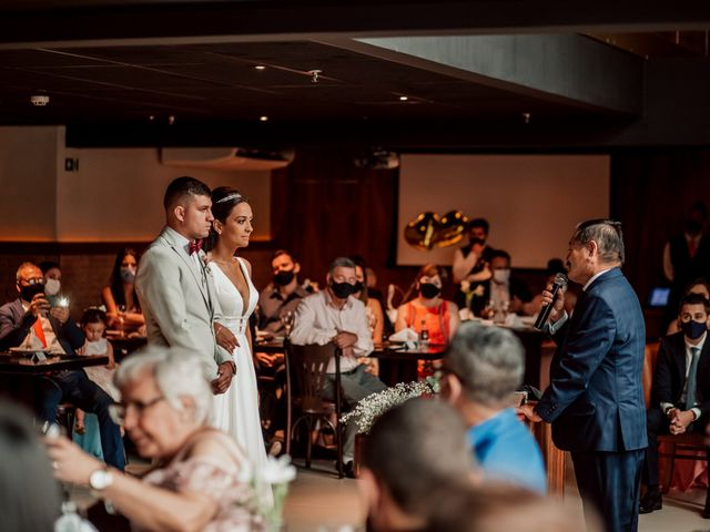 O casamento de Junior e Amandha em Curitiba, Paraná 36