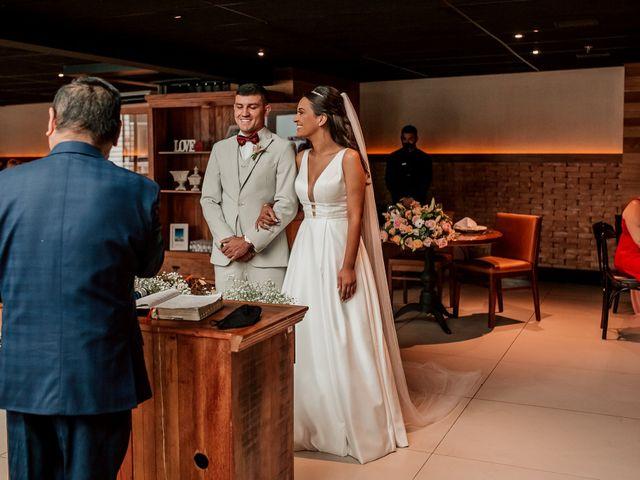 O casamento de Junior e Amandha em Curitiba, Paraná 37