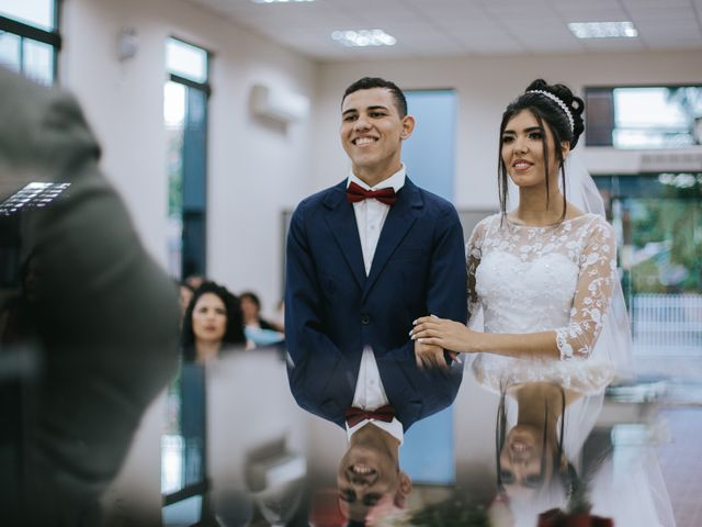 O casamento de Oseas e Cassiane em Joinville, Santa Catarina 36