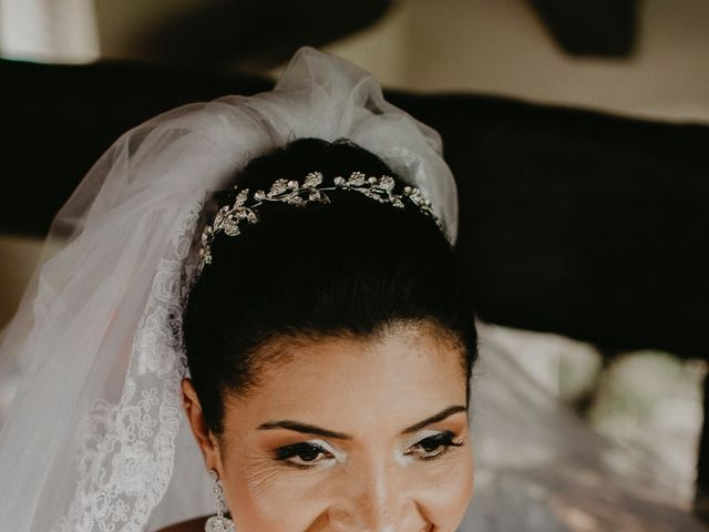 O casamento de Cristina e Cleide em Cotia, São Paulo 33