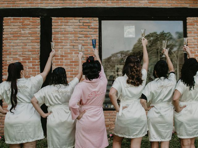 O casamento de Cristina e Cleide em Cotia, São Paulo 43