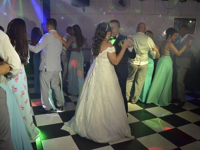 O casamento de Carlos Alexandre  e Grazielle em Duque de Caxias, Rio de Janeiro 33