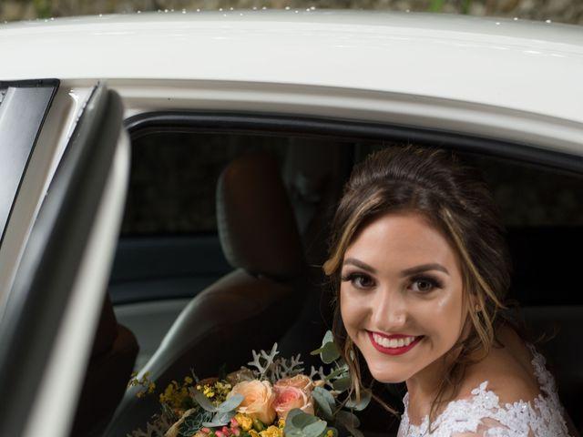 O casamento de William e Aline em Itapema, Santa Catarina 19