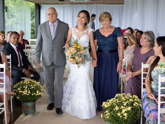 O casamento de William e Aline em Itapema, Santa Catarina 21