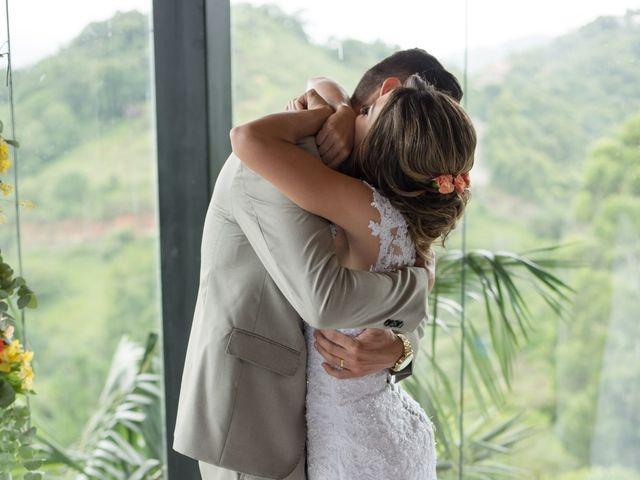 O casamento de William e Aline em Itapema, Santa Catarina 24