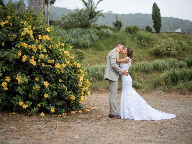 O casamento de William e Aline em Itapema, Santa Catarina 32