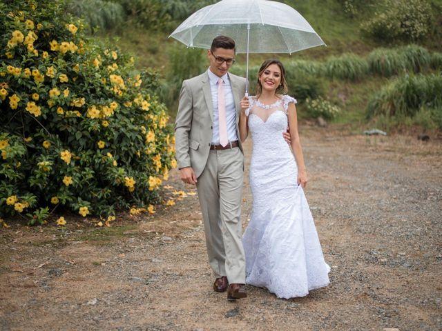 O casamento de William e Aline em Itapema, Santa Catarina 33