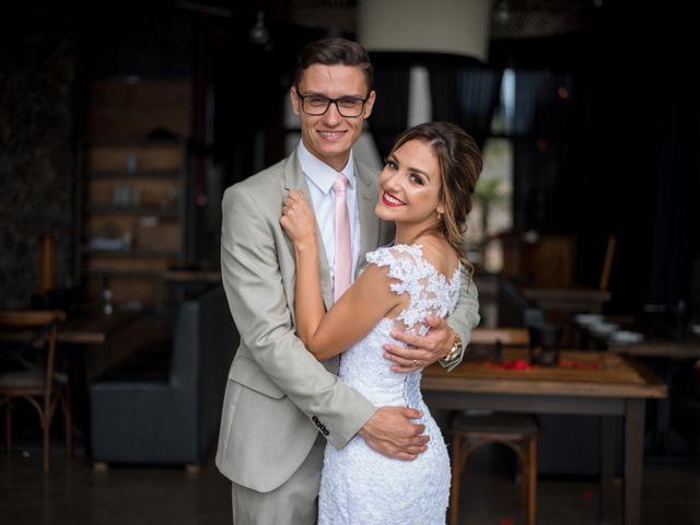 O casamento de William e Aline em Itapema, Santa Catarina 35