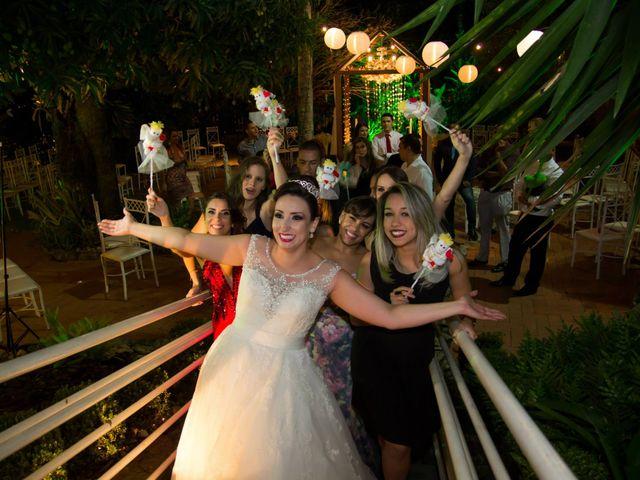 O casamento de Fabrício e Débora em Belo Horizonte, Minas Gerais 10
