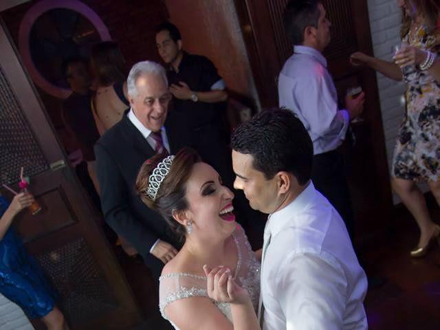 O casamento de Fabrício e Débora em Belo Horizonte, Minas Gerais 24