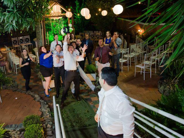 O casamento de Fabrício e Débora em Belo Horizonte, Minas Gerais 34