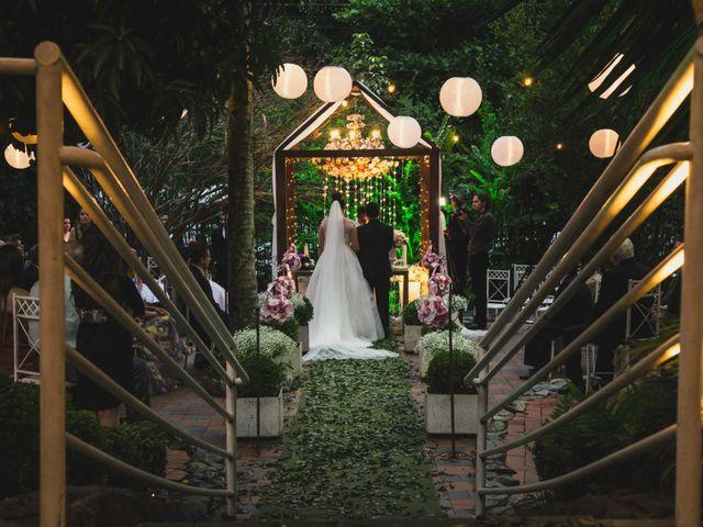O casamento de Fabrício e Débora em Belo Horizonte, Minas Gerais 35
