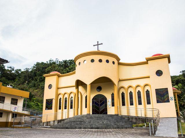 O casamento de Carlos Eduardo e Pollyanna em Itapema, Santa Catarina 9