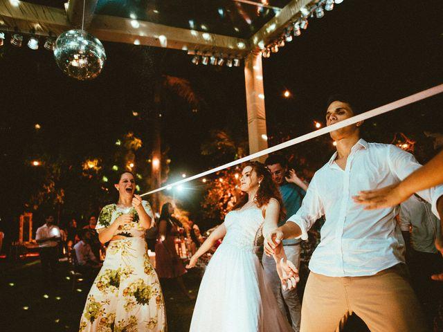 O casamento de Felix e Isabela em Monte Gordo, Bahia 82