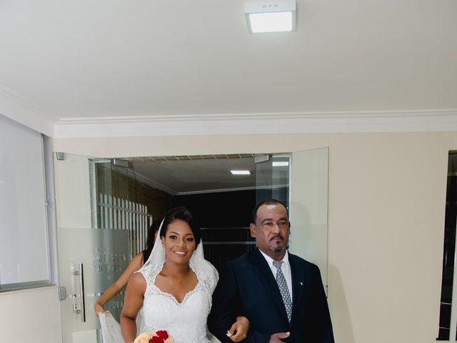 O casamento de Tainerson e Liliam em Salvador, Bahia 36