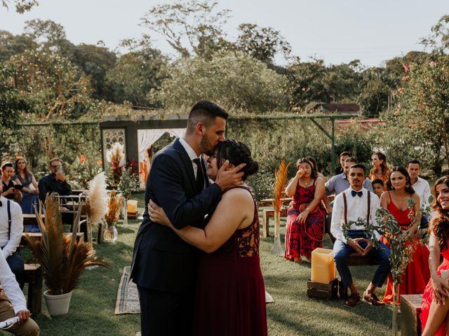 O casamento de Victor e Larissa em Gaspar, Santa Catarina 29
