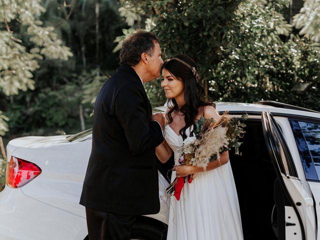 O casamento de Victor e Larissa em Gaspar, Santa Catarina 32