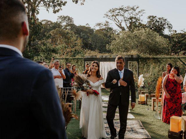 O casamento de Victor e Larissa em Gaspar, Santa Catarina 36