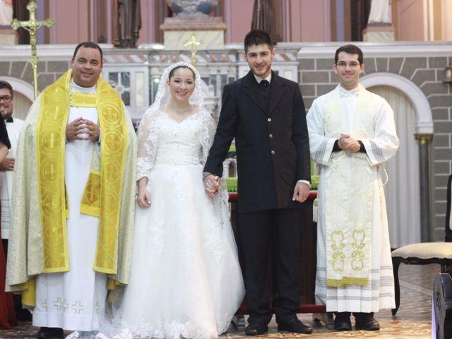 O casamento de Sthephany e Rodrigo em Curitiba, Paraná 22