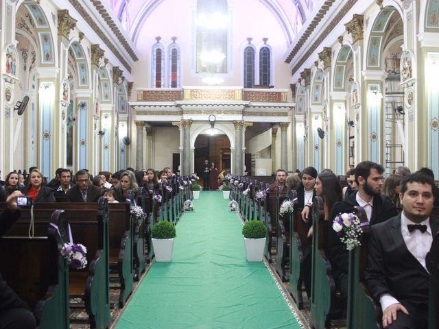 O casamento de Sthephany e Rodrigo em Curitiba, Paraná 24