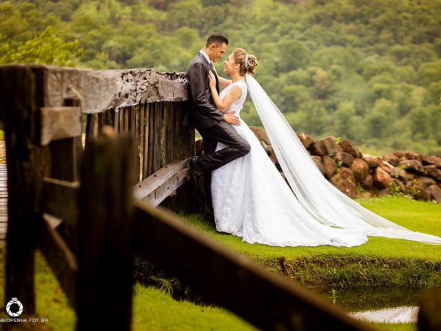 O casamento de Aline e Christian em Belo Horizonte, Minas Gerais 36