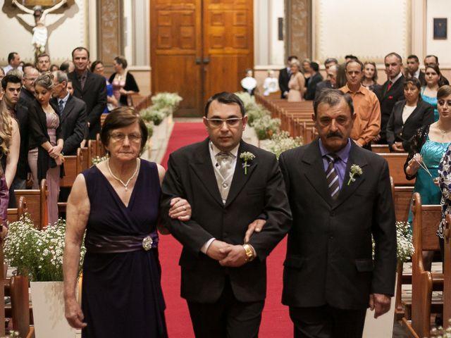 O casamento de Elisângela e Cesar em Novo Hamburgo, Rio Grande do Sul 23