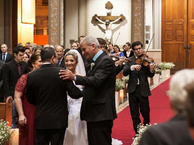 O casamento de Elisângela e Cesar em Novo Hamburgo, Rio Grande do Sul 28