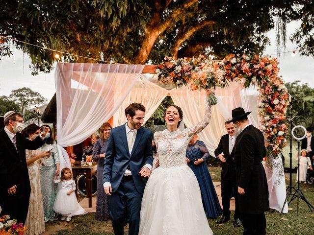 O casamento de Larissa e Yacov