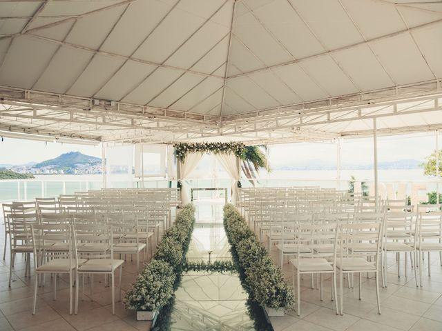 O casamento de Anderson e Crisiane em Florianópolis, Santa Catarina 26