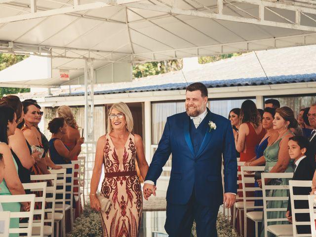O casamento de Anderson e Crisiane em Florianópolis, Santa Catarina 29