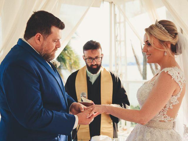 O casamento de Anderson e Crisiane em Florianópolis, Santa Catarina 39